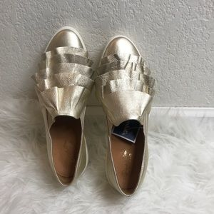 Seychelles Gold Platform Ruffle Sneakers Size 8.5